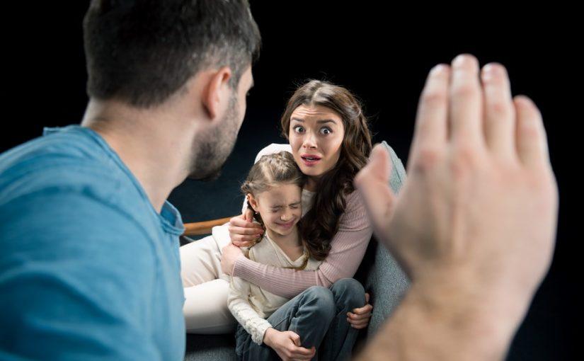 Муж бьёт наших детей, они его уже боятся. Как это остановить?