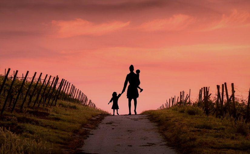 Сын погиб, а невестка с детьми сели мне на шею