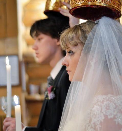 На моём венчании подруга провела какой-то обряд на «счастливую семейную жизнь». А наша семья теперь разваливается!