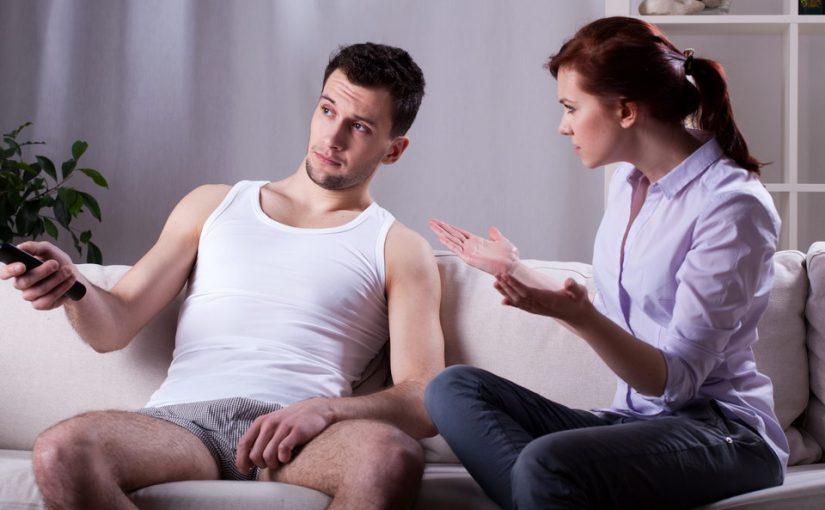 Жена-начальник отчитывает меня как своего работника, сначала было смешно, а сейчас напрягает