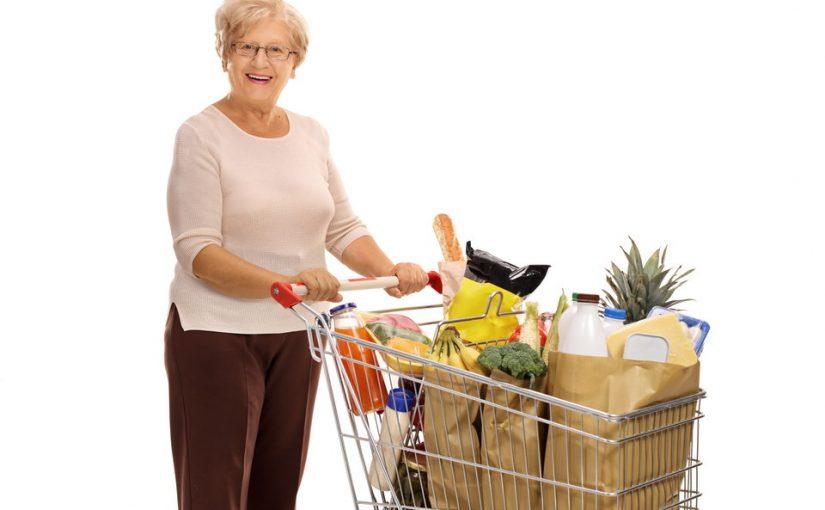Свекровь на пенсии стала терроризировать нас своей заботой: выдумала, что мы голодаем, и принимает меры