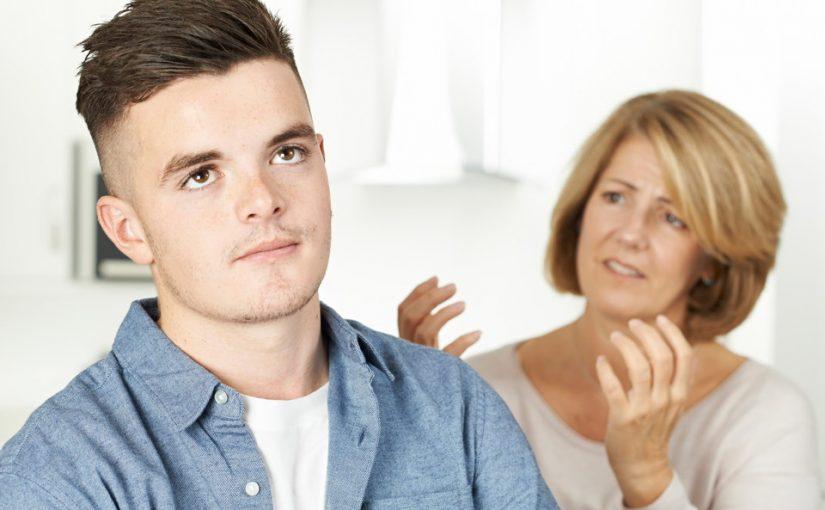 Я мать-одиночка. Наконец встретила мужчину, но 18-летний сын против него. Когда я уже получу право на личную жизнь?!