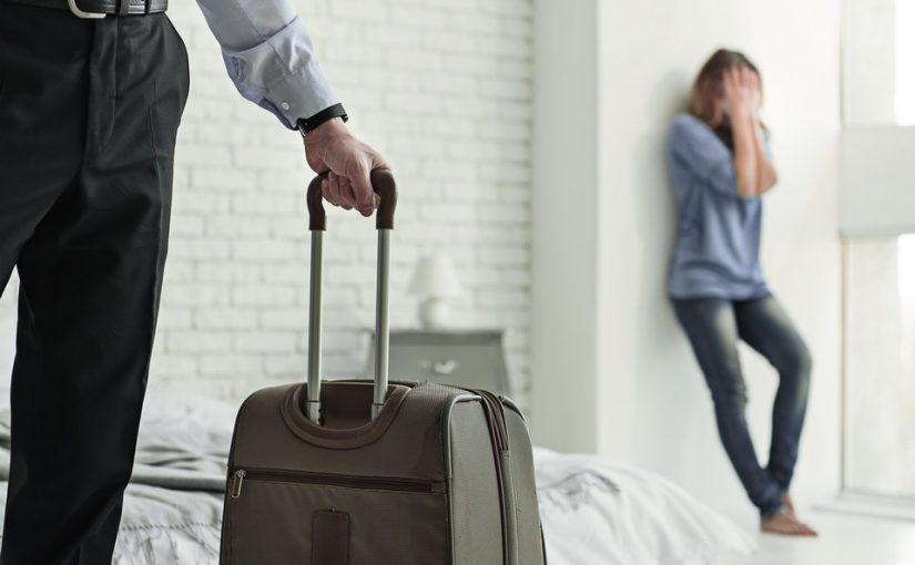Муж поставил мне условие: или живем отдельно, или развод