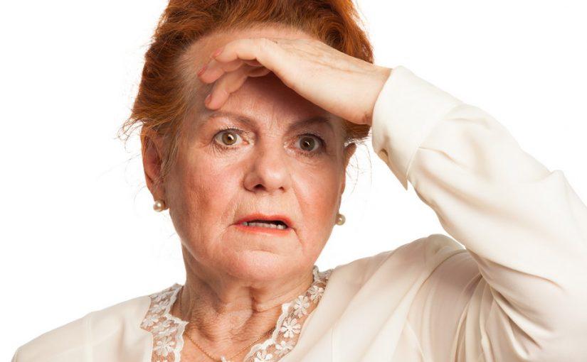 Сын может потерять отличную жену: не заботится о ней, гуляет. Вот останусь с ним на старости лет. Просто беда!