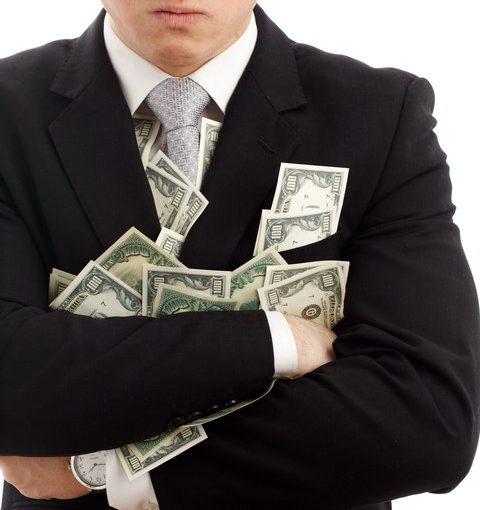 Хочу развестись с мужем, а он требует, чтобы я вернула все деньги, которые он на меня потратил. Имеет ли он такое право?