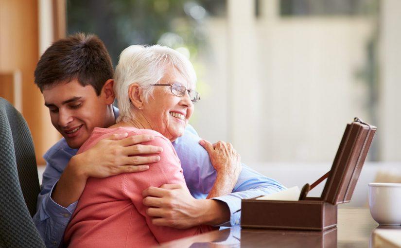 Меня воспитала бабушка. Мать пила и гуляла, а сейчас хочет вернуться в мою жизнь. Может ли человек измениться?