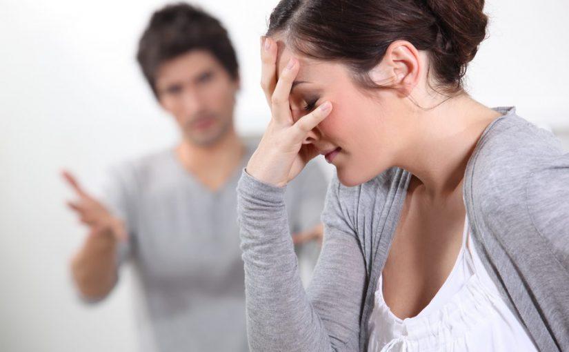 Приготовила мужу сюрприз: заказала шикарный ресторан на 10-летие свадьбы, а он свой: подал на развод и ушел к другой