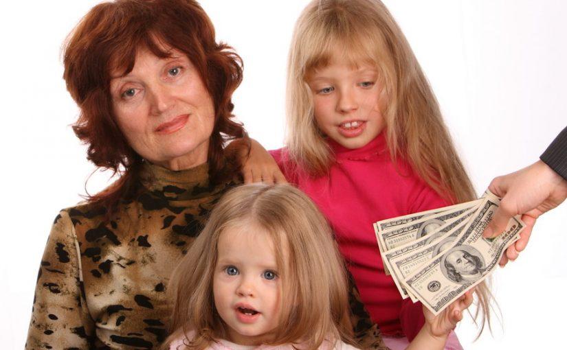 Почем нынче бабушки? Моя тёща будет водиться с внучками за деньги. И это не шутка, а её требование