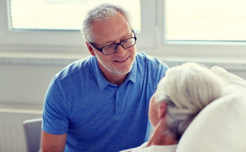 Хочу отправить тёщу в дом престарелых. А жена категорически против — не понимает, что там медицинский уход и нам спокойнее