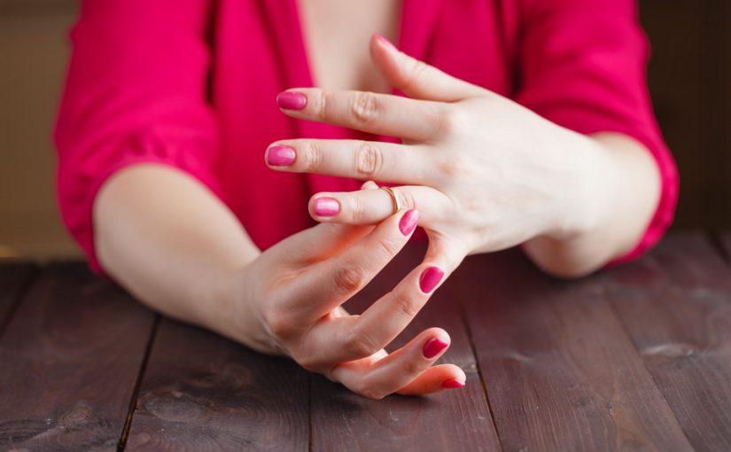 За неделю до развода муж вернулся. Конечно приняла, но смогу ли забыть и простить измену?