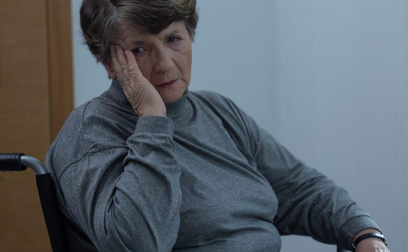 Муж хоть и рассказывает про свою бабушку всякие ужасы, но сдаватьё в дом престарелых - это ведь неправильно?