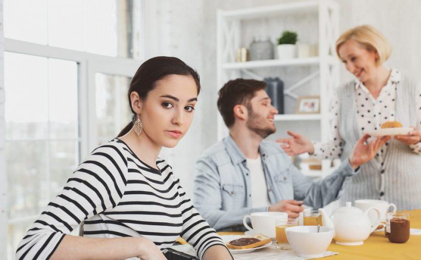 Неужели с его инфантильностью мужа ничего нельзя поделать? Не хочу больше жить вместе с его родителями