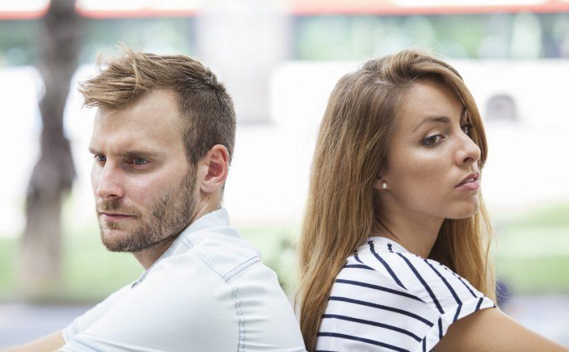 Жених переехал ко мне и из принципа не хочет ничего ни покупать, ни делать для обустройства. Может с него аренду брать?