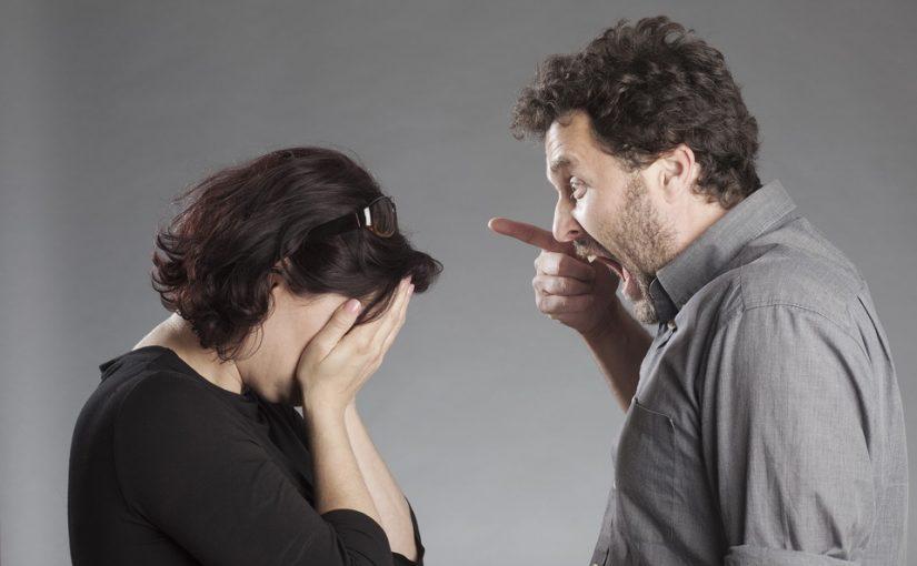 Мой муж домашний тиран. Все советуют – уходи! А почему никто не хочет меня понять и помочь ему разобраться в себе?