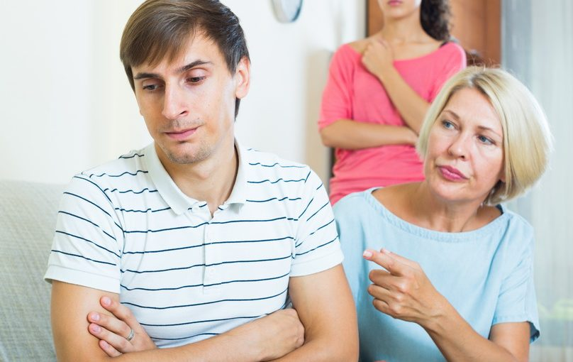 Зять сидит без работы, говорю: «Иди хоть грузчиком! Нет упирается. Плохо для карьеры. А на мою пенсию жить нормально?»