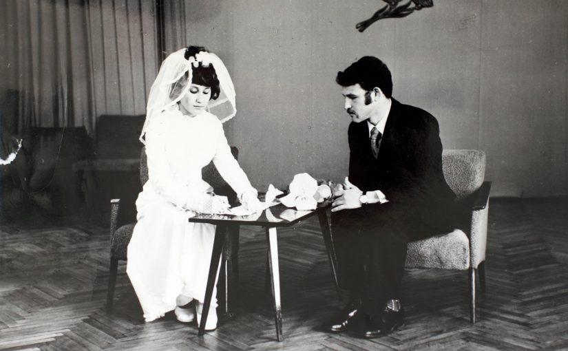 Подруга предлагает купить её свадебное платье, оно классное, но ведь она уже разведёнка!