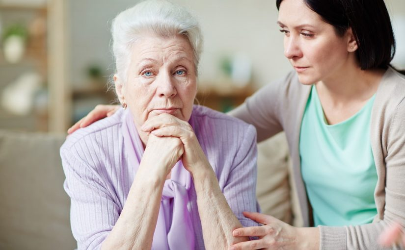 Никто из родни не хочет брать больную бабушку в семью, в пансионат не хочет, сиделки невыход. Кто тогда должен?