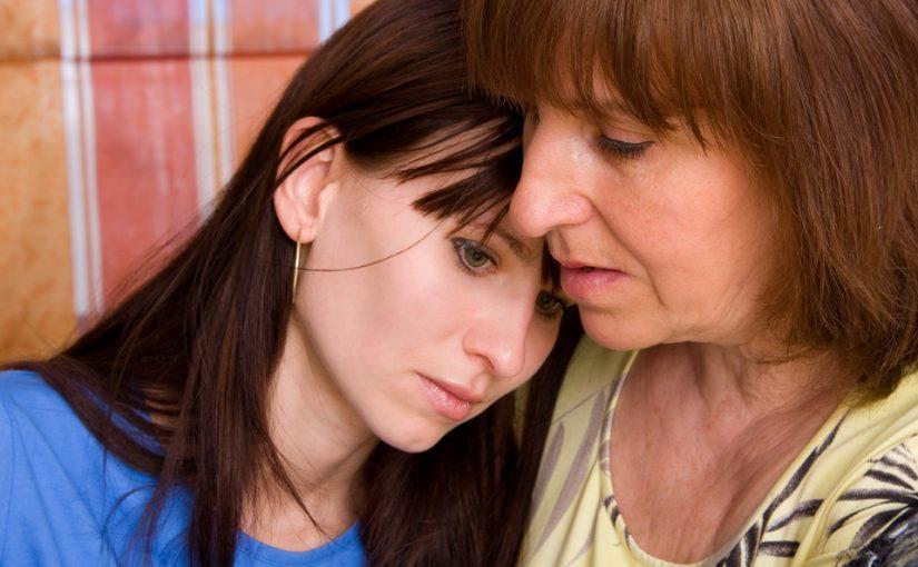 Услышала, как зять упрекает дочь, мол никудышная хозяйка. Обидно, ведь я воспитала. Думаю, переехать помочь или перебор?