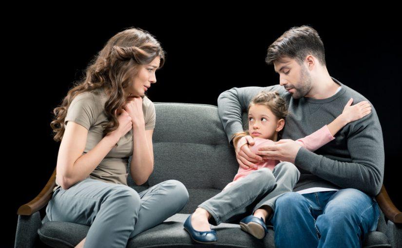 Бывшая жена мужа специально подсовывает свою «негативную» дочь в нашу жизнь, чтобы рассорить