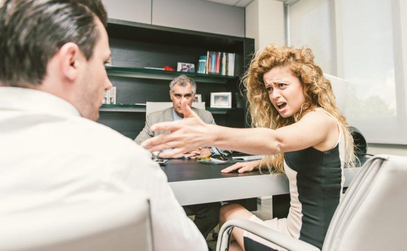 Она жена свёкру лишь формально, а выгоняет нас из подаренной им свадебной квартиры