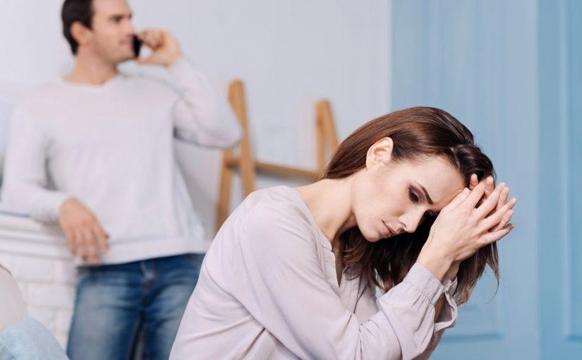 Бывшая мужа меня убеждает: «Не собираюсь его отнимать, он мне как брат!». Хочется отправить её подальше, но муж жалеет