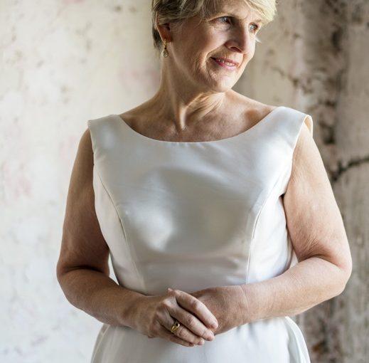 Сестра в 50 лет вышла замуж: полностью от него зависит материально и ещё его детей обслуживает… Зачем? Зато замужем!
